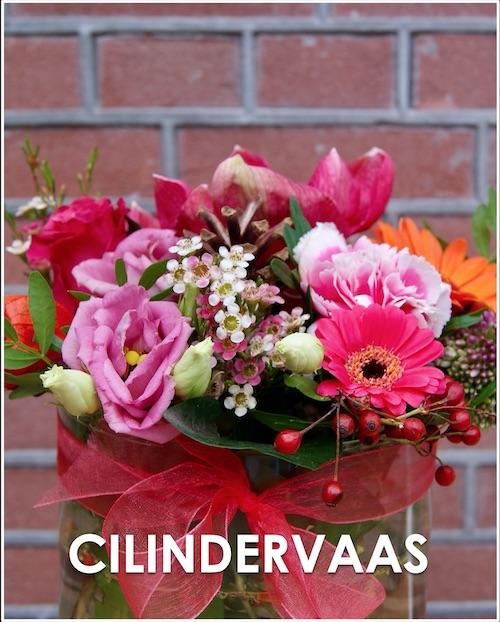 Cilindervaas met bloemen